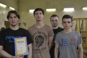 (слева направо) Дмитрий Булгаков, Олег Самойленко, Артем Носов и Антон Ярлыков. Соревнования по пауэрлифтингу в Далевском университете