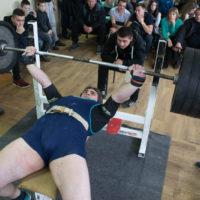 Вес 210 кг также впечатляет болельщиков и спортсменов